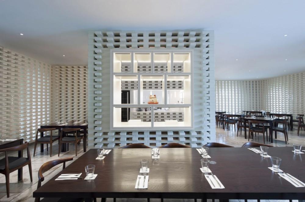 Ceglane wnętrze restauracji