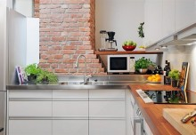 Masz ceglany komin? pokaż go! – cegła w kuchni na poddaszu