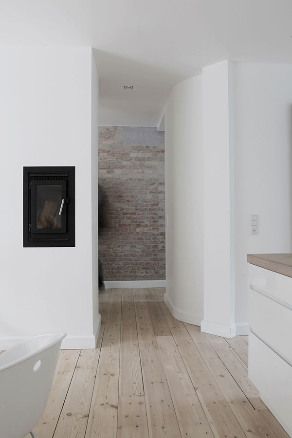Mieszkanie dla romantyka, jak we mgle...cegły w mieszkaniu 1