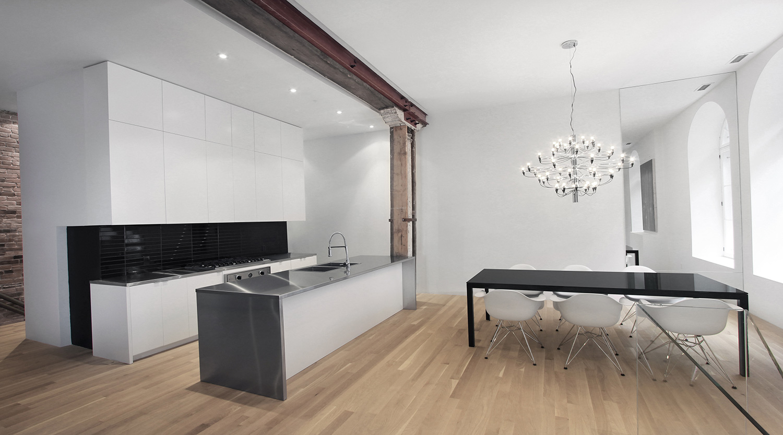 Stare z nowym - idealne połączenie ceglanych ścian ze współczesnym designem. 5