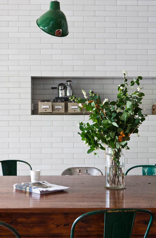 Market Lane Coffee ceglana ściana w kawiarniani